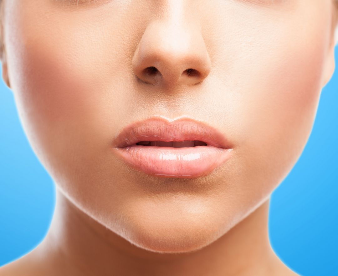 newperfect-face-with-plump-lips.jpg